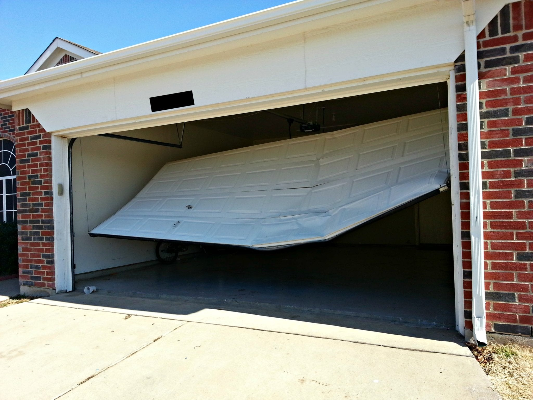 Garage door repairs and installations helotes overhead garage doors reliable garage door repair rubansaba
