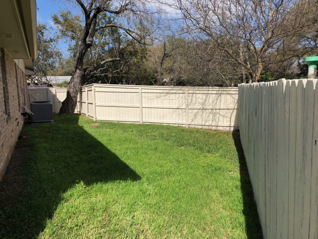 Custom Fence And Deck Builder Helotes Overhead Doors